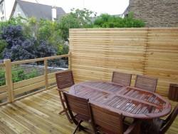 Réalisation d'une terrasse bois avec brise vue - Bernard Fromentoux.jpg